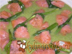 Суп  с зеленым горошком из лосося