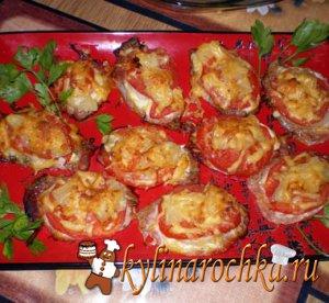 Свиная вырезка в сырной шубе с соусом из свежих томатов
