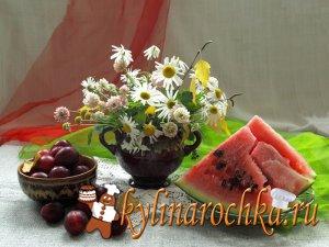 Ягода, символизирующая лето